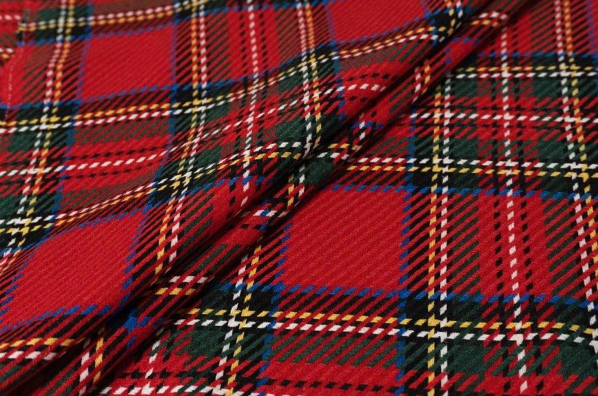 определение цветовой схемы гардероба по лоскуту ткани
