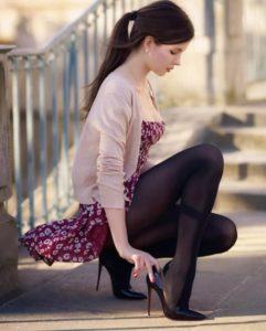как правильно выбирать колготки под платье