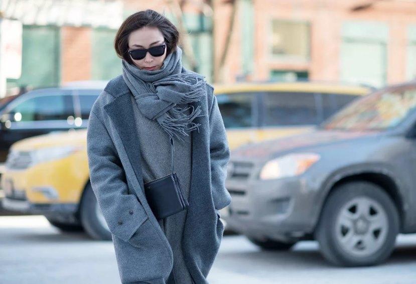 шарф в образе стрит стайл