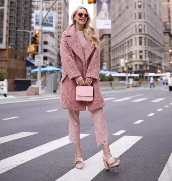 розовый монохром в одежде
