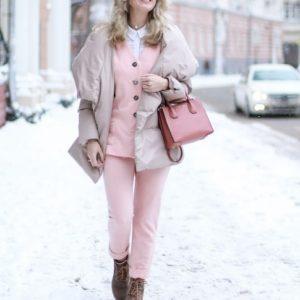 Розовый цвет в женской одежде