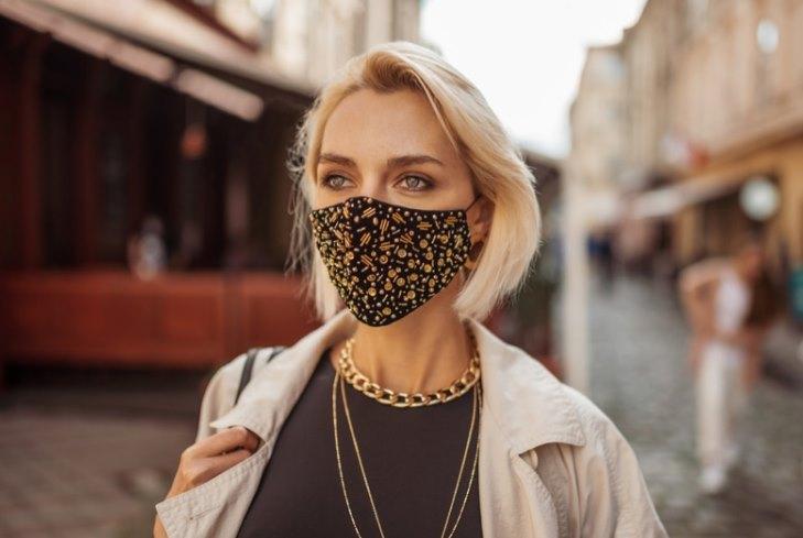 модная женская маска