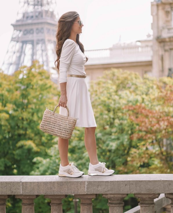 белые кроссовки в моде всегда
