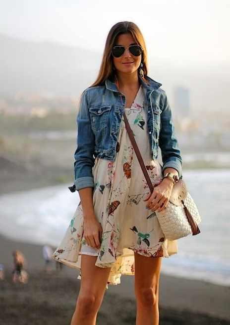 летнее платье с джинсовой курткой