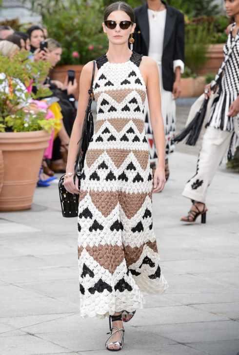 модное платье, вязаное крючком