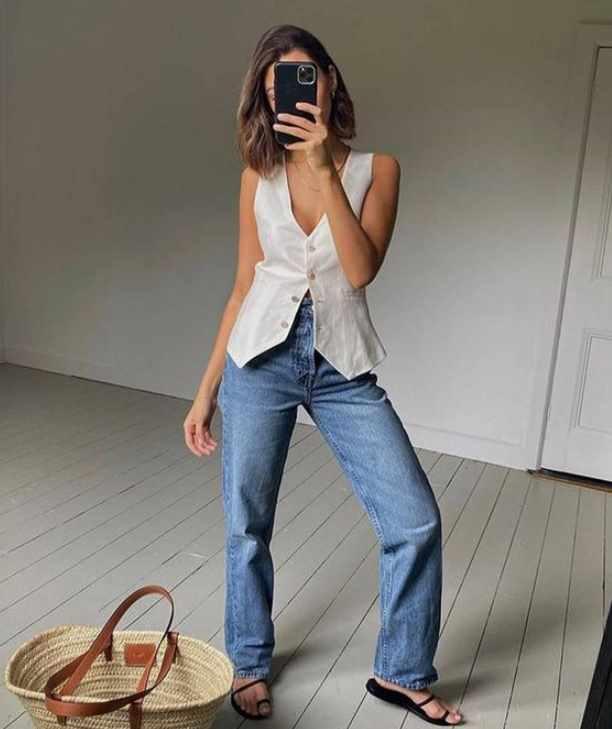 жилет с джинсами летний образ